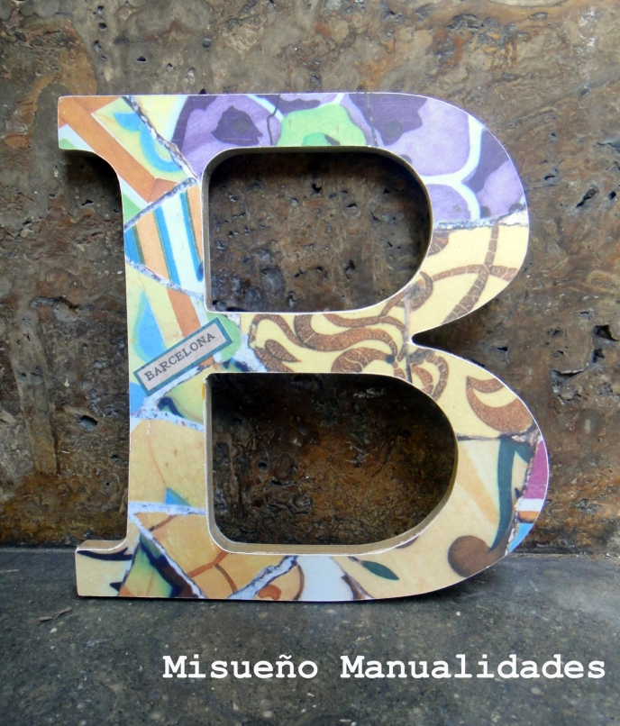 letra-madera-papel-scrapbook-modernista